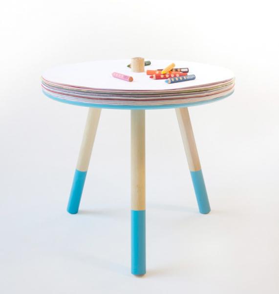 描いたらめくってまた描いて。スケッチブックみたいなお絵描きテーブル『Come and Draw Table』