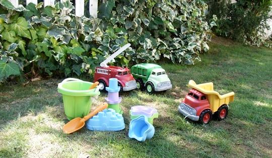 100%リサイクルの環境に優しい玩具『GreenToys グリーントイ』