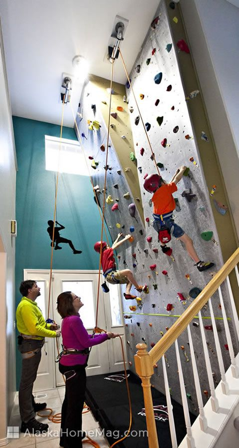 出典:CLIMBING THE WALLS – LITERALLY.  ARASKA HOME