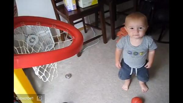 【動画】Unbelievable Little Kid Does a Trick Shot Video